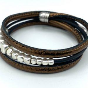 Bracelet caoutchouc, cuir bronze et hématites perlées blanches 1